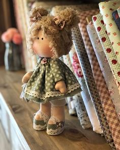 Esta é a Gigi. Fazer bonecas me aproxima do uniPDF, Cloth Doll Pattern, , Soft Doll Pattern This PDF includes doll patterns Here are only patterns without a tutorial. Doll Toys, Baby Dolls, Pink Doll, Fabric Toys, Sewing Dolls, Waldorf Dolls, Soft Dolls, Doll Crafts, Cute Dolls