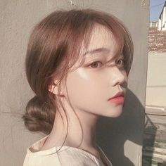 Image about girl in 𝒖𝒍𝒛𝒛𝒂𝒏𝒈 𝒈𝒊𝒓𝒍𝒔 by 𝑗𝑜𝑟𝑑𝑎𝑛 on We Heart It Korean Beauty Girls, Pretty Korean Girls, Cute Korean Girl, Asian Beauty, Asian Girl, Pelo Ulzzang, Mode Ulzzang, Ulzzang Korean Girl, Ulzzang Hair