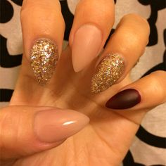In look for some nail designs and ideas for the nails? Here is our list of 34 must-try coffin acrylic nails for trendy women. Shiny Nails, Hot Nails, Matte Nails, Hair And Nails, Stiletto Nails, Coffin Nails, Acrylic Nail Powder, Acrylic Nails, Casket Nails
