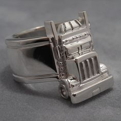 Big Rig Long Haul Trucker Ring sterling silverMaterial: sterling silver Made to order from etsy Big Rig Trucks, Semi Trucks, Gifts For Truckers, Trailer Storage, Truck Art, Jewelry Quotes, Rigs, Boyfriend Gifts, Long Haul