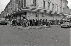 Queuing to see Jaws at the Albert Hall cinema, Swansea - 1975 Swansea Bay, Swansea Wales, Gower Peninsula, Saint David's Day, Welsh Rugby, British History, South Wales, Vintage Photography, Old Photos