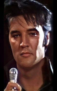 Elvis Presley Young, Elvis Presley Pictures, Young Elvis, Elvis 68 Comeback Special, Bruno Mars Concert, John Lennon Beatles, Chuck Berry, Music Is Life, Florence