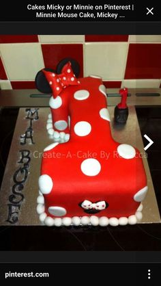 Red Minnie cake first birthday