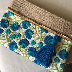 Handmade Embroidered Boho Bag is just one of many bohemian clutch bag designs at thebohochiccollection Jute Fabric, Fabric Bags, Felt Fabric, Sacs Tote Bags, Hobo Bags, Pochette Diy, Embroidery Bags, Boho Stil, Handmade Bags