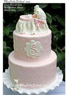 Learn+to+make+an+adorable+bassinet+in+the+MyCakeSchool.com+cake+video+tutorial+for+members.