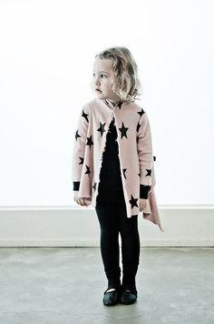 NUNUNU Fall 2013 asymmetrical star cardigan - so cute for little girls! Kids Fashion Blog, Girl Fashion, Fashion Moda, Stylish Kids, Camila, Kids Wear, Couture, Cool Kids, Girl Outfits