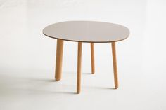 Morris coffee table model 2 in glossy beige ardenne