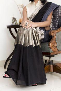 Amodha Black Grey & Silver Saree The saree only Ethnic Sarees, Indian Sarees, Silk Sarees, Saris, Cotton Saree, Ikkat Saree, Fancy Sarees, Saree Blouse Patterns, Saree Blouse Designs