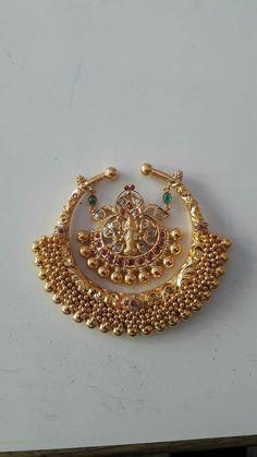 Indian Wedding Jewelry, Indian Jewelry, Bridal Jewelry, Trendy Jewelry, Simple Jewelry, Fashion Jewelry, Gold Earrings Designs, Gold Jewellery Design, Pendant Jewelry