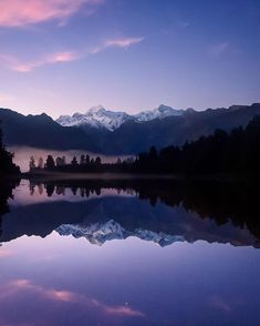 Foggy morning throwbacks at Lake Matheson, New Zealand ↠ Canon 6D ↠ Canon F4L17-40