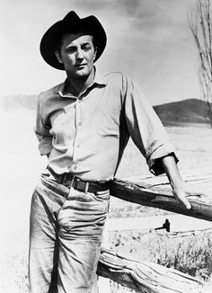 Robert Mitchum on set of The Red Pony Hollywood Men, Golden Age Of Hollywood, Vintage Hollywood, Hollywood Stars, Classic Hollywood, Classic Actresses, Classic Movies, Actors & Actresses, Actresses