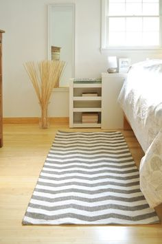 "DIY - Chevron Rug - Full Step-by-Step Tutorial using Glidden Paint in ""Wood Smoke"""