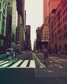Bigapple, dream a Little dream of me. ⚓️#road #bigapple #view #roadtrip #architecture #art #cool #dark #adorable #all_shots #roadtrippin #beautiful #beauty #photooftheday #photography #photo #day #newyork #awesome #light #sky #streetphotography #freedom #love #newyorkcity #citylights #bored #escape #darkside #newyorker