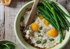 Find the perfect food and drink ideas for every ocassion, from weeknight dinners to holiday feasts Baked Eggs, Baby Spinach, Perfect Food, Winter Food, Green Beans, Easy Meals, Good Food, Food And Drink