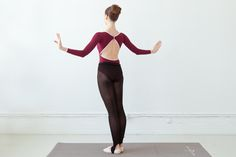 Swan arms are a shortcut to a ballerinas lean arms, strong back and great posture. Learn how to do swan arms from ballerina Mary Helen Bowers of Ballet Beautiful.