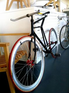 Birdbone 1 day bike fron scrap  http://thefolio.org/chni/birdbone  Designer: Christian Haulund Nielsen