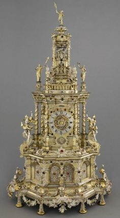 Augsburg Prunkuhr. c. 1690 Remarkable clock decorated with Silver filigree made for Landgrave Charles of Hesse-Kassel - compare detail with that on Pfaff Clock in the Green Room, Dresden - Museum Hessen Kassel Cool Clocks, Unusual Clocks, Clock Shop, Retro Clock, Art Nouveau, Antique Clocks, Vintage Clocks, Silver Filigree, Elegant Home Decor