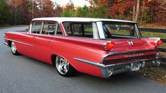 1959 Oldsmobile 88/ station wagon is strangely Russet Poly beautiful