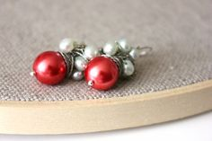 NEW  Coral/Red pearls and mint fresh