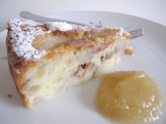 Coccole di dolcezza: Torta di pere e noci con salsa di pere