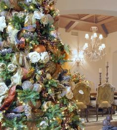 Using birds, dried flowers & natural elements creates a beautiful casual rustic tree.