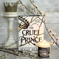 I recently read The Cruel Prince by @blackholly and absolutely loved it! This was my first Holly Black book and it definitely made me want to go and read her other works! The Cruel Prince was full of magic adventure fairies and an awesome heroine who I adored! I love that this book totally satisfied me but also left me wanting more in the end! I am very excited for next book! I cannot wait to see the future of these characters and how the relationships develop! . . Palace of Elfhame candle…