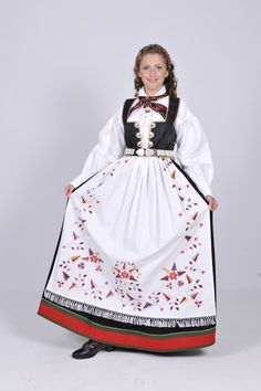 Aust-Agder Åmlibunad Classy Clothes, Classy Outfits, Folk Costume, Costumes, Norwegian Clothing, Ader, Ethnic Fashion, Folklore, Traditional Outfits
