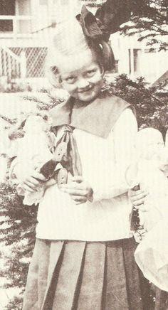 Bette Davis. The Silver Screen Affair: When They Were Kids