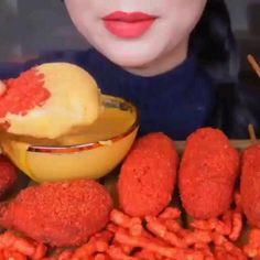 Asmr, Food Vids, Fun Baking Recipes, Crazy Cakes, Japanese Sweets, People Eating, Coffee Recipes, Korean Food, Diy Food