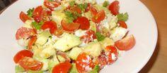 Topsalade Van Kerstomaatjes Met Avocado En Geitenkaas In Notendressing recept   Smulweb.nl