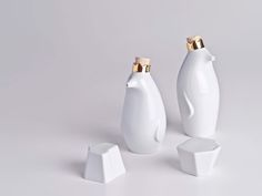 Holaria is a porcelain design studio from Brazil.