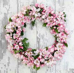 Couronne de cerisier en fleurs