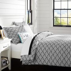 Quincy Scallop Duvet Cover + Sham, Black #pbteen