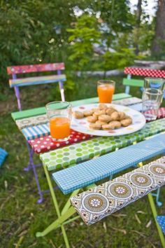 Tisch auf dem Kinderbalkon