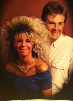 Look he is leaned over so he can get around her hair LOL {i miss these times} GLAMOUR SHOTS 80s Big Hair, 1980s Hair, Funny Awkward Photos, The Wedding Singer, The Ellen Show, Glamour Shots, Hair Photo, Bad Hair Day, Hairspray