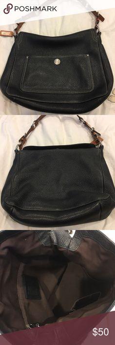 Authentic women's coach purse Women's authentic coach purse. Black leather. Excellent condition lots of room Coach Bags