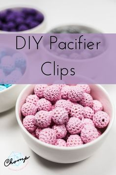 Learn how to make a safe and stylish pacifier clip from silicone teething beads. Great for keeping tabs on your baby's favourite silicone teether or pacifier! Teething Necklace For Mom, Teething Beads, Teething Relief, Baby Diy Projects, Fun Activities For Toddlers, Newborn Baby Gifts, Diy Toys, Diy Supplies, New Baby Products