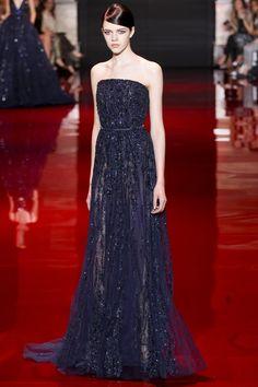 Looks para Madrinhas: Semana de Moda de Paris  http://noivinhasdeluxo.com.br/post/looks-para-madrinhas-semana-de-moda-de-paris