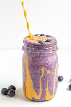 PEANUT BUTTER AND JELLY PROTEIN SMOOTHIE