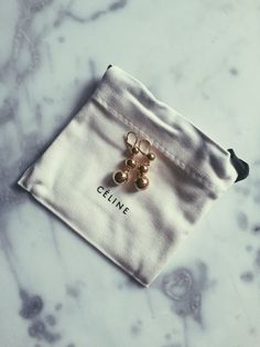 Jewerly Packaging Celine 18 Ideas For 2019 Cute Packaging, Jewelry Packaging, Jewelry Branding, Celine Earrings, Packing Jewelry, Cheap Silver Rings, Jewelry Photography, Jewerly, Jewelry Accessories