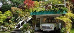Senri- Sentei – Garage Garden was designed by Kazuyuki Ishihara and built by Ishihara Kazuyuki Design Laboratory. This Artisan garden was sponsored by the Henri-Sentei Project. Chelsea 2016, Front Gardens, Green Roofs, Chelsea Flower Show, Landscaping Ideas, Artisan, Garage, Landscape, Building
