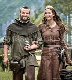 Pretty garb. Generi-Viking style garb, with tunic, skoldhelm Hood, kirtle-style under-dress.