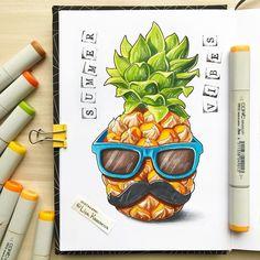 Funky pineapple Эх, нацепить бы солнечные очки и залечь на пляже с ананасом! Но в Питере дожди, а у меня слишком много работы... Ну ничего, дождётся меня ещё мой пляж! Я верю в лучшее :)