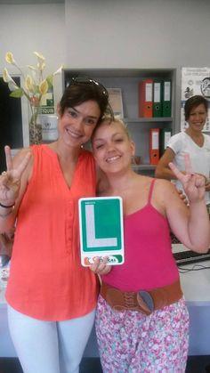 Myriam Vega con su profesora Mª Angeles desde la oficina de Las Delicias