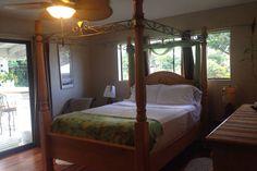Apartment overlooking Hilo Bay - vacation rental in Big Island, Hawaii. View more: #BigIslandHawaiiVacationRentals