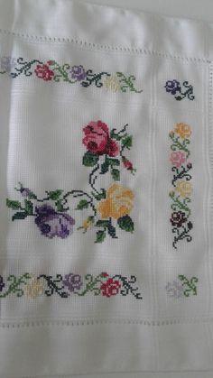 Cross Stitch Borders, Cross Stitch Rose, Cross Stitch Flowers, Cross Stitch Patterns, Hand Embroidery Design Patterns, Embroidery Art, Cross Stitch Embroidery, Crochet Stitches Free, Baby Knitting Patterns