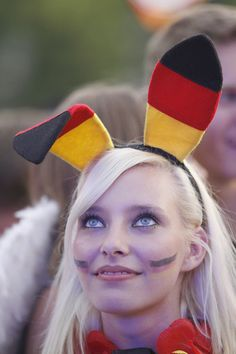 German soccer fan - Germany won three World Titles, only surpassed by Brazil and Italy. Hot Football Fans, Football Girls, Soccer Fans, Football Soccer, Lionel Messi, Ronaldo, Premier League, Hot Fan, Germany Football