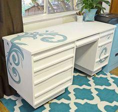 Hometalk :: Desk Makeover With Chalk Paint®