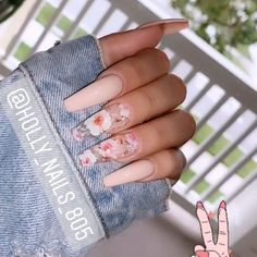 If you have problem with long nails, then try Acrylic Nails or artificial nails. Listed below are the Best Acrylic Nails Ideas for 2019 to take inspiration. Summer Acrylic Nails, Best Acrylic Nails, Coffin Nails Designs Summer, Acrylic Nail Art, Coffin Acrylic Nails Long, Coffin Nail Designs, Acrylic Nails Coffin Pink, Long Nail Designs, Acrylic Nail Designs