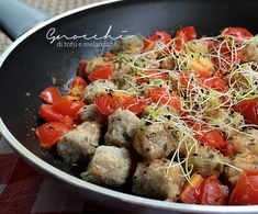 Gnocchi vegani di tofu con polpa di melanzane arrostite al forno